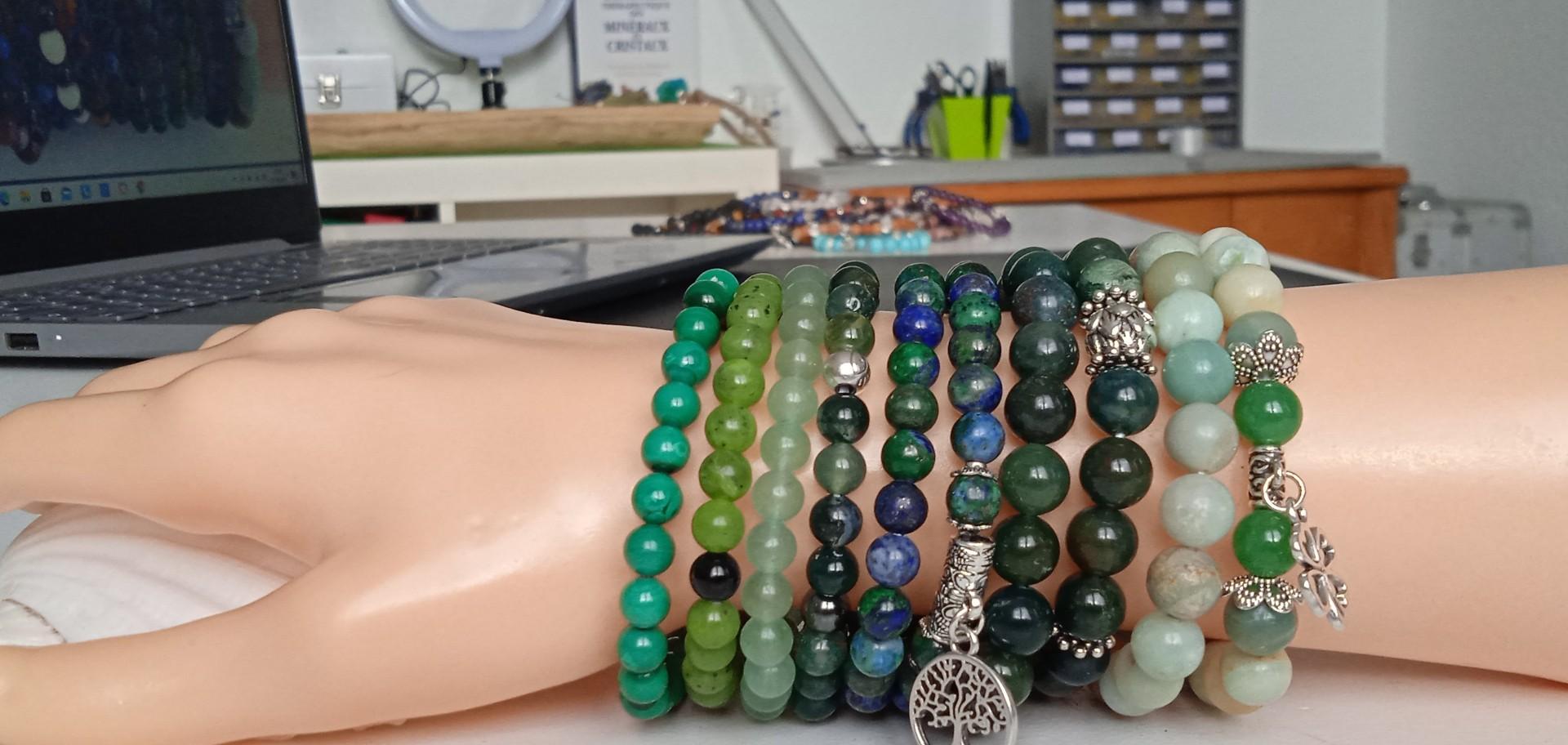 Bracelets thérapeutiques et bijoux